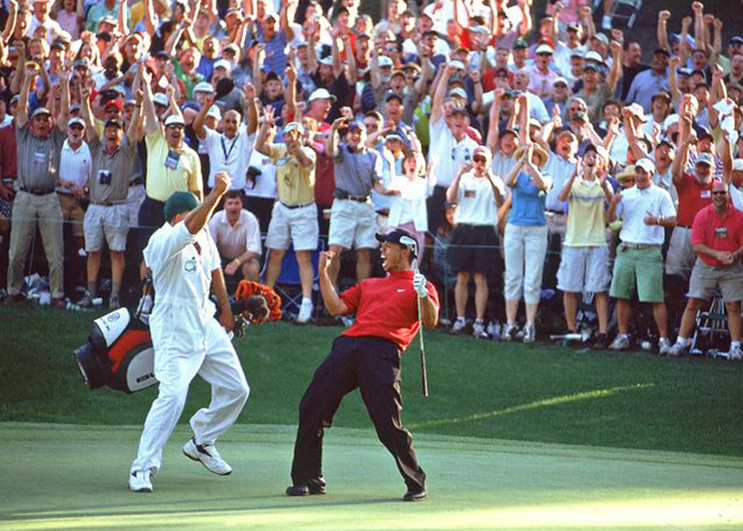 greatest shots in masters history tiger chip in
